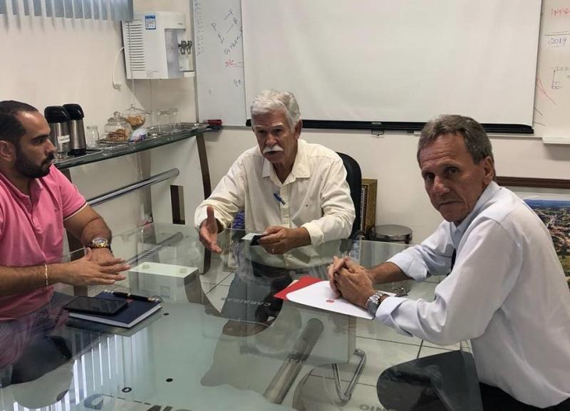 Prefeitos de Brumado e Dom Basílio participam de reunião para tratar de assuntos ligados a saúde