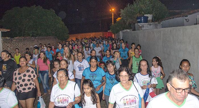 Caminhada da Família é realizada em Malhada de Pedras; veja o vídeo