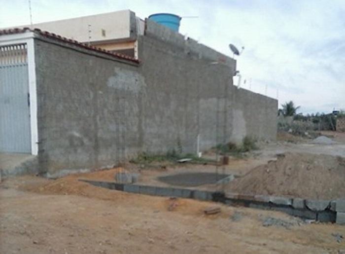 Moradores de Vila Mariana, em Caraíbas, reclamam que prefeitura realizou doação de terreno de maneira irregular no distrito