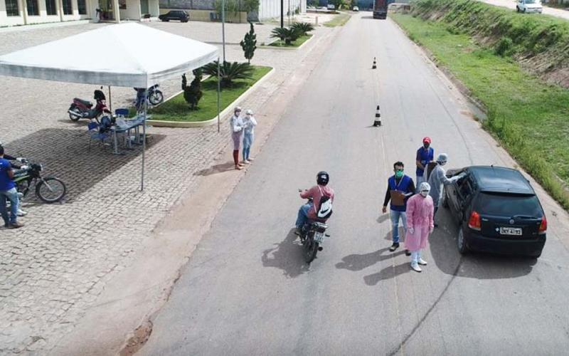 Barreiras Sanitárias em Barra da Estiva fiscalizam e monitoram quem entra no município