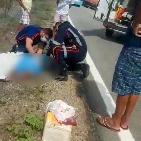 Tanhaçuense morre ao colidir motocicleta com trator na BR-030