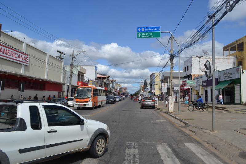Brumado: SMTT e Seinf desenvolvem projeto de aproximação do centro comercial à Feira Livre em Brumado