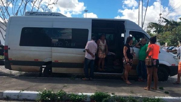 BR-116: homem é preso após matar garoto de 13 anos a facadas e deixar outras três pessoas feridas durante surto em van
