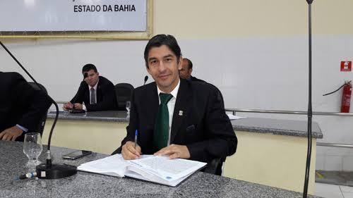 Prefeito de Brumado comunica à Câmara que seu filho, Dudu Vasconcelos, não tem condições de retomar mandato legislativo