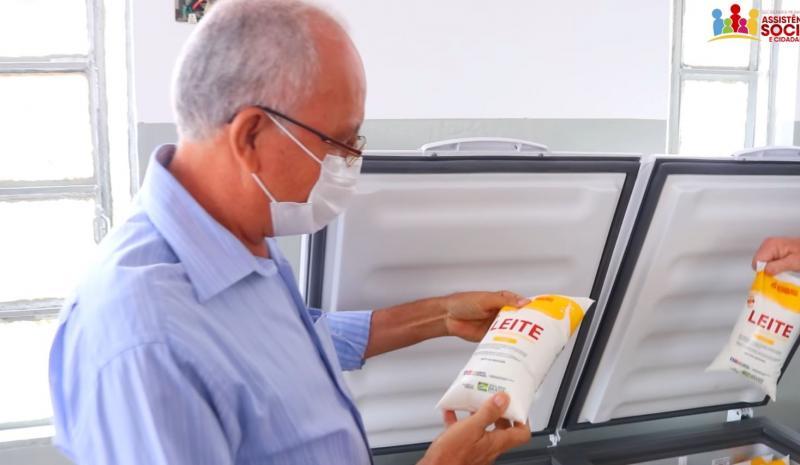 Pão e leite: prefeito de Tanhaçu planeja implantação de Padaria Comunitária para distribuir pães às famílias carentes