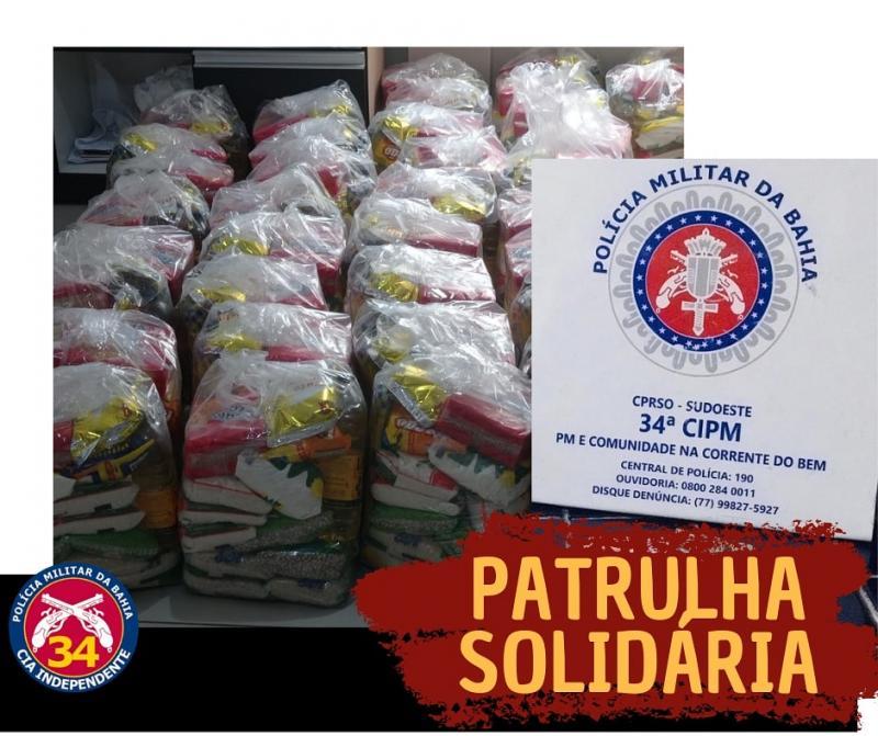 Polícia Militar distribui Cestas Básicas para famílias carentes em Brumado