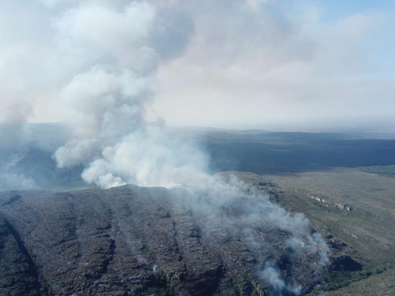 Incêndio na Chapada Diamantina destrói área equivalente a quase 3 mil campos de futebol