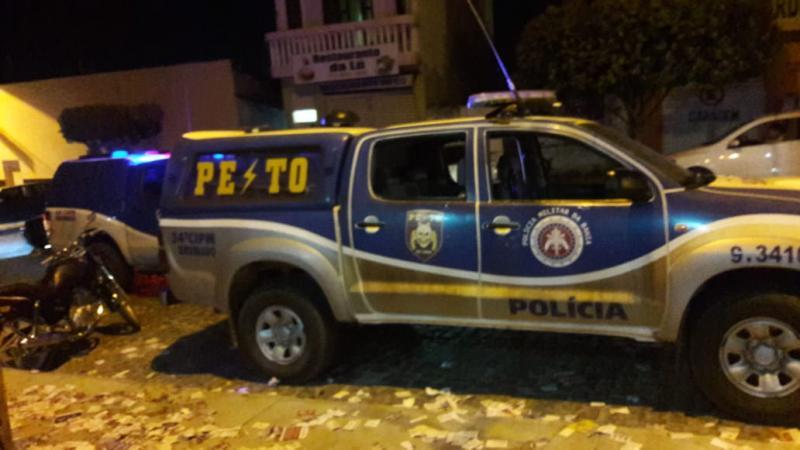 Em Brumado, homem é preso por causar tumulto e desacatar policiais na escola Eny Mafra