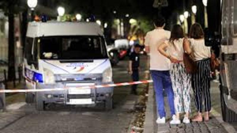 Sete pessoas ficam feridas após ataque com faca em Paris
