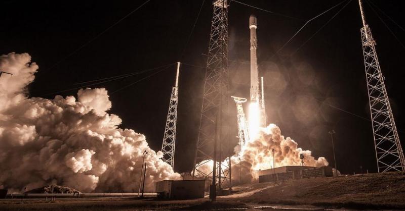 SpaceX começa a testar seu ambicioso projeto de internet por satélite nos próximos dias
