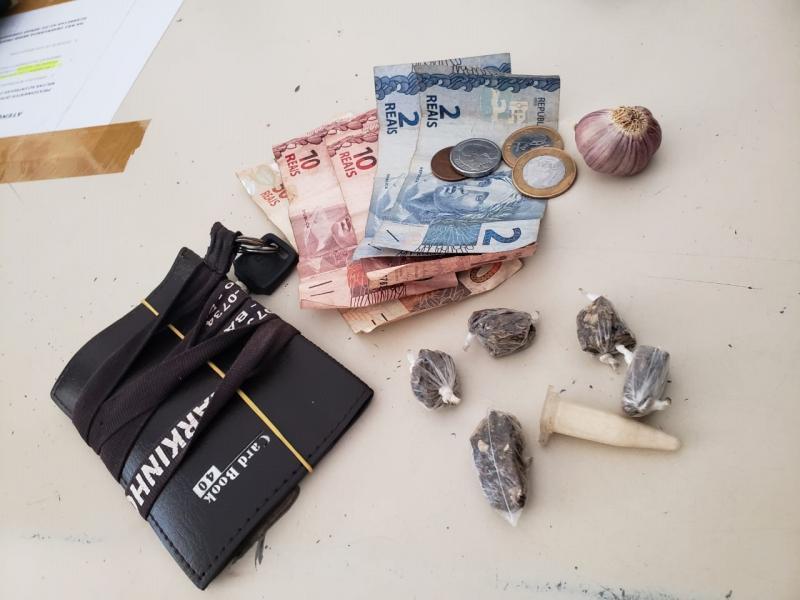 Duas pessoas são presas por tráfico de drogas no distrito de Cascavel em Ibicoara