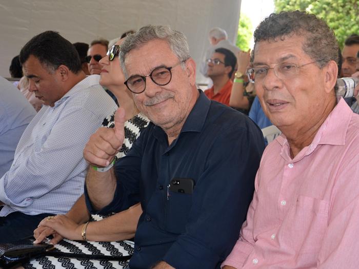 Em companhia dos deputados Waldenor e Zé Raimundo, lideranças petistas de Brumado recepcionam Rui Costa em Livramento