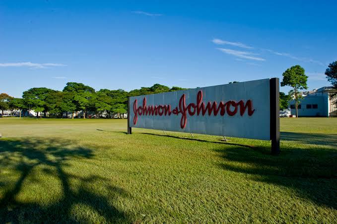 Johnson & Johnson é condenada a pagar multa de US$ 572 milhões