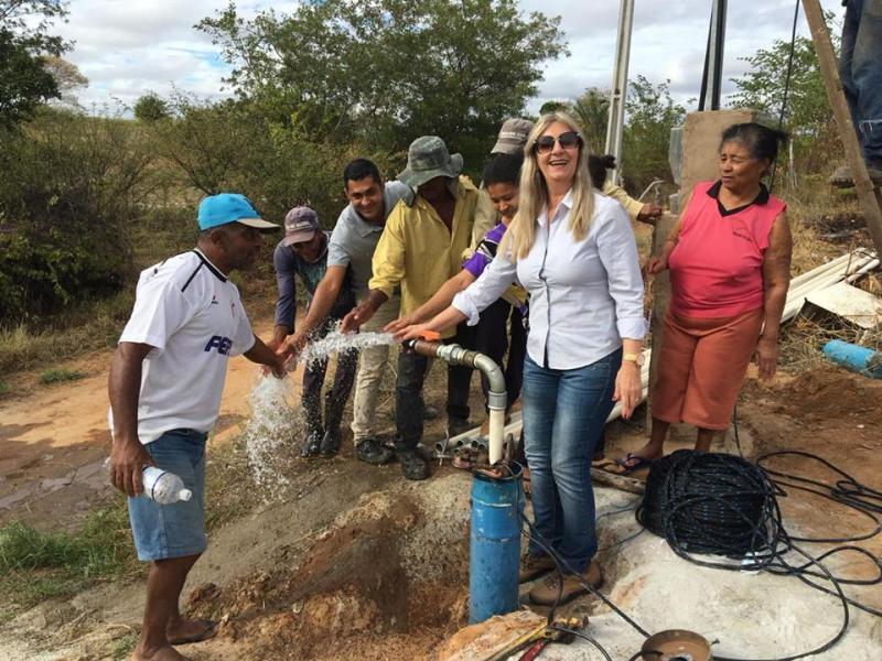 Prefeitura de Malhada de Pedras continua fazendo investimentos para amenizar os efeitos da seca na zona rural