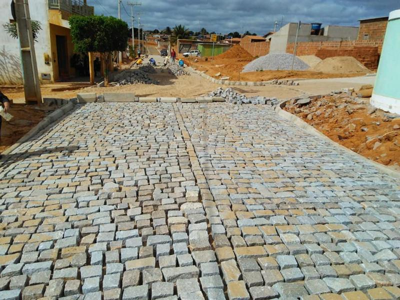 Guajeru: Obras de pavimentação seguem sendo realizadas em diversas ruas do município