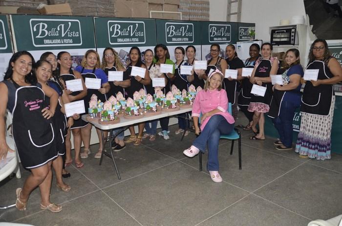 Bella Vista embalagens conclui com sucesso curso de Pasta Americana com a instrutora Jussiara Torres