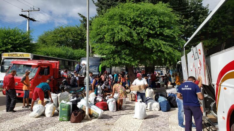 Centenas de aracatuenses continuam deixando o município para trabalharem na colheita de café em outros estados