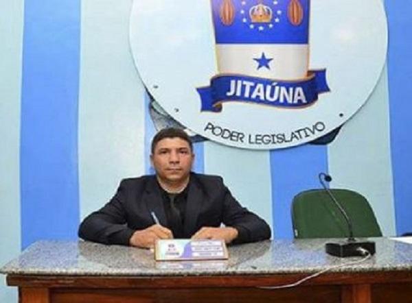 Jitaúna: Para não desrespeitar religiões, vereador pede que Câmara não reze 'Ave Maria'