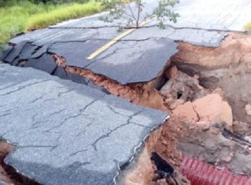 desmoronamento de trechos na BA acontecem por conta das chuvas