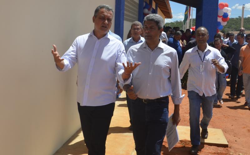 Em Rio do Antônio, Rui inaugura escola com capacidade para 600 alunos