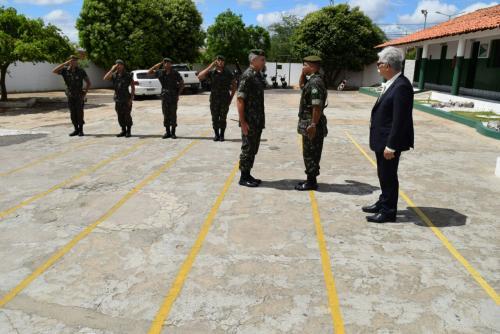 General da 6ª Região Militar visita Tiro de Guerra em Brumado