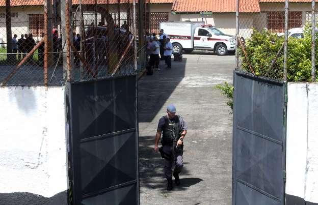 Polícia apreende dois jovens com planos para atacar escolas no Brasil