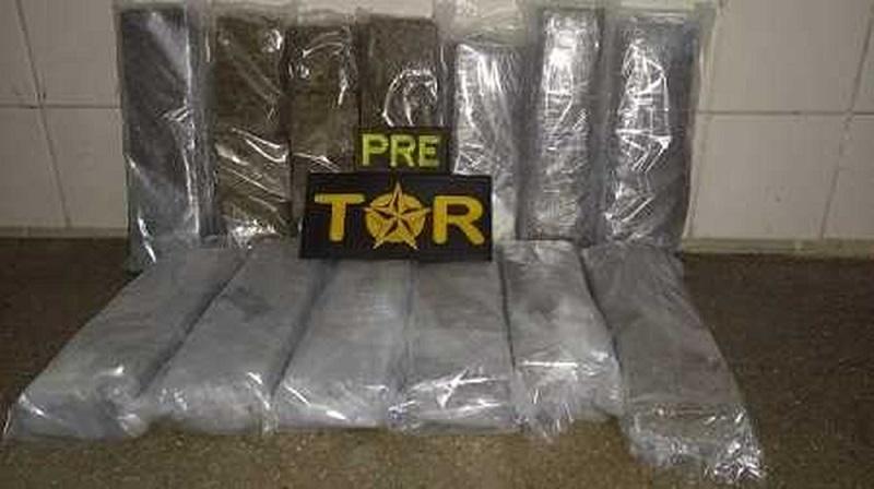 Motorista de ônibus é preso com 13 tabletes de maconha na BR-030 em Brumado