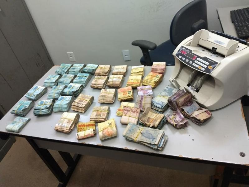 Megaoperação recupera R$ 177 mil roubados de carro-forte e apreende mais de meia tonelada de maconha em Livramento de Nossa Senhora