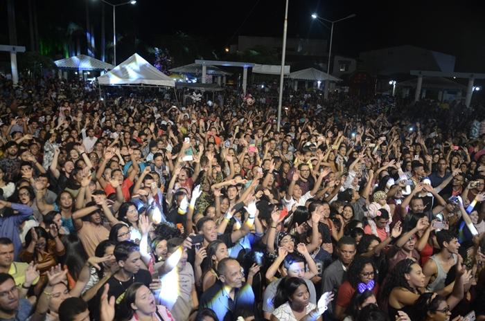 Dia dos Evangélicos atrai grande público e encerra comemorações do aniversário de Brumado; veja as fotos