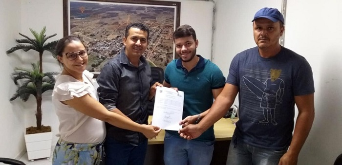 Guajeru: prefeito Gil Rocha assina ordem de serviço para construção da Academia de Saúde no município
