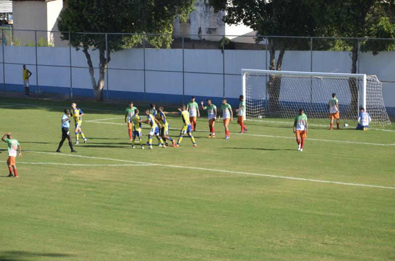 Campeonato Brumadense tem inicio com vitória do Umburanas sobre o Feirense