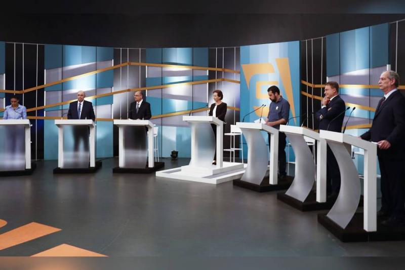 Candidatos à Presidência pregam fim do ódio na política e trocam farpas em debate
