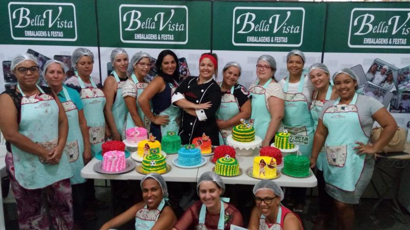 Bella Vista Embalagens realiza mais um curso com a Cake Design Madja Sotero