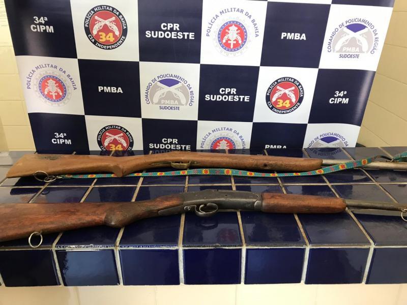 Polícia Militar apreende duas armas de fogo no Bairro Urbis III em Brumado