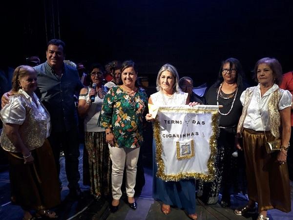Primeira noite de apresentações de Ternos de Reis acontece em Aracatu; festa continua hoje
