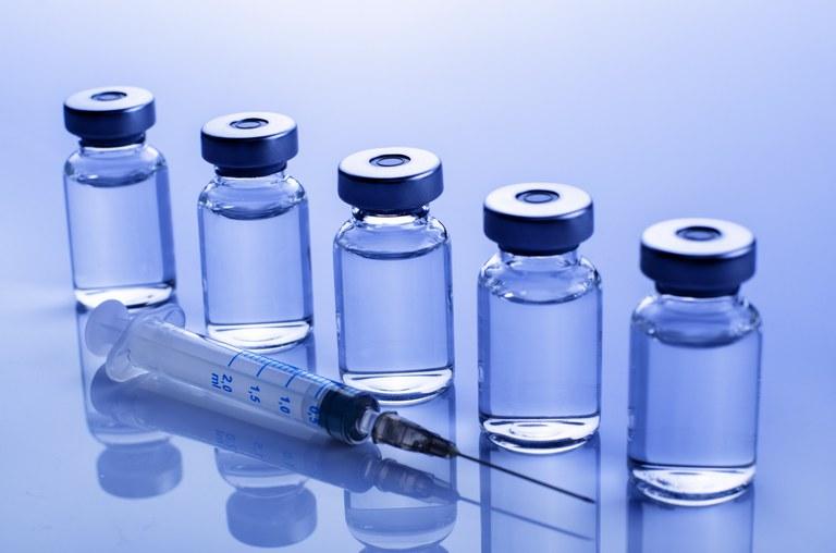 Covid-19: Anvisa alerta sobre suposta venda de vacinas falsas pela internet