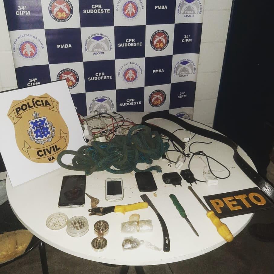 Brumado: Cordas, armas brancas e outros objetos são encontrados durante revista a celas da delegacia
