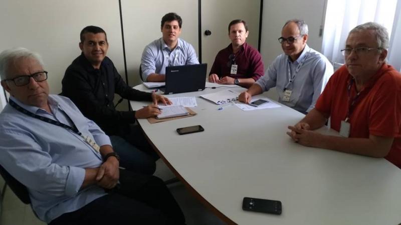 Prefeito de Guajeru se reúne com representantes da Embasa para tratar de novos contratos de abastecimento no município