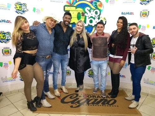 Barra da estiva: Primeiro dia de Festa foi um sucesso; Prefeito João recepciona banda