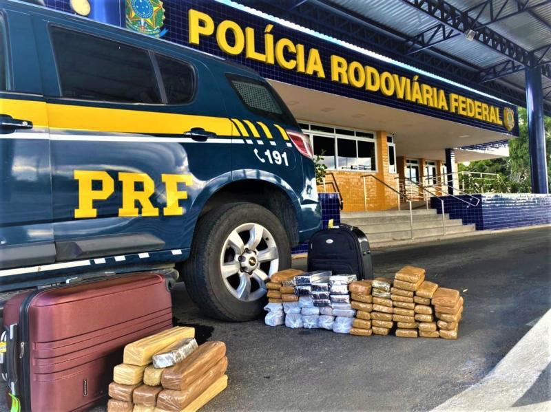 Vitória da Conquista: PRF apreende 57 kg de maconha em ônibus interestadual