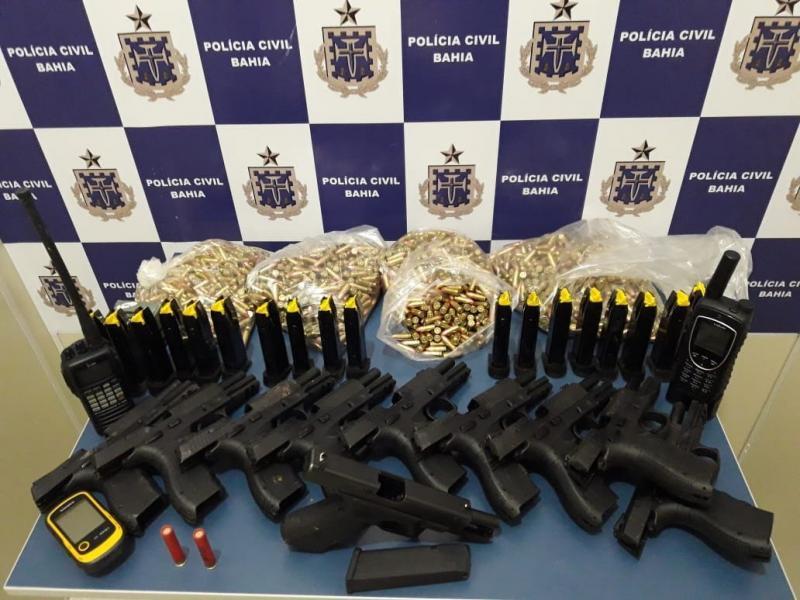 Polícia Civil apreende 10 pistolas e mais de 2 mil munições enterradas em Vitória da Conquista