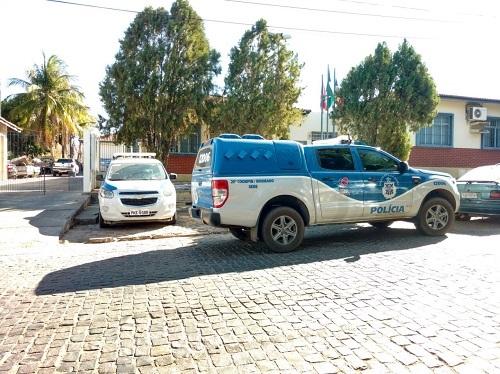 Operação Fim de Ano: Polícia cumpre mandados de busca e apreensão em Brumado; seis pessoas foram presas
