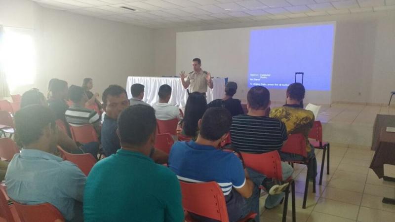 Palestra com os motoristas e monitores do transporte escolar é realizada em Aracatu