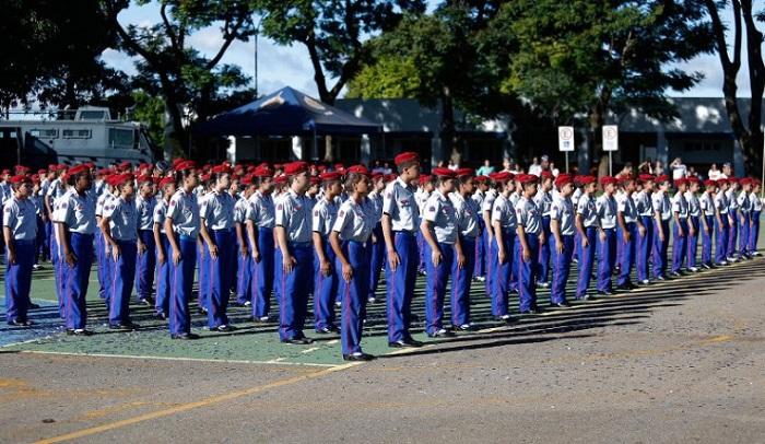 Escolas cívico-militares: mais de 11% das cidades aderem ao programa