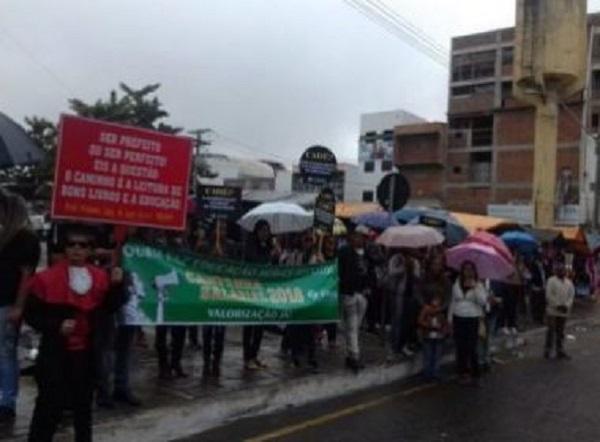 Conquista: Greve de professores da rede municipal entra em terceiro dia sem solução