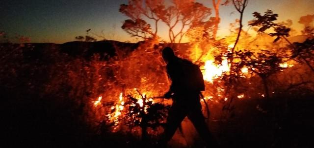 Incêndio atingiu área de vegetação em Rio de Contas, na Chapada Diamantina