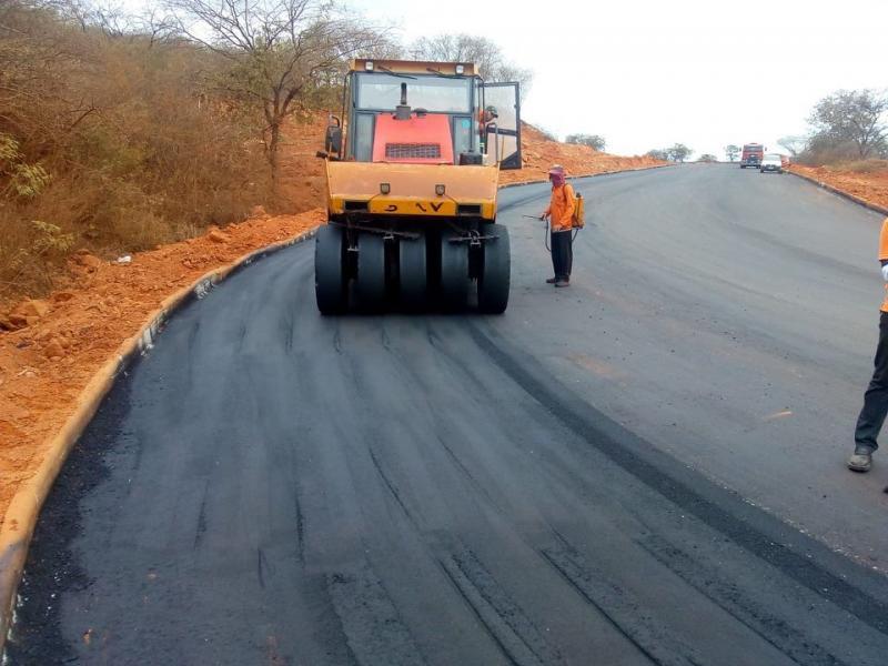 Brumado: Obras de pavimentação são realizadas da BR-030 ao centro da cidade
