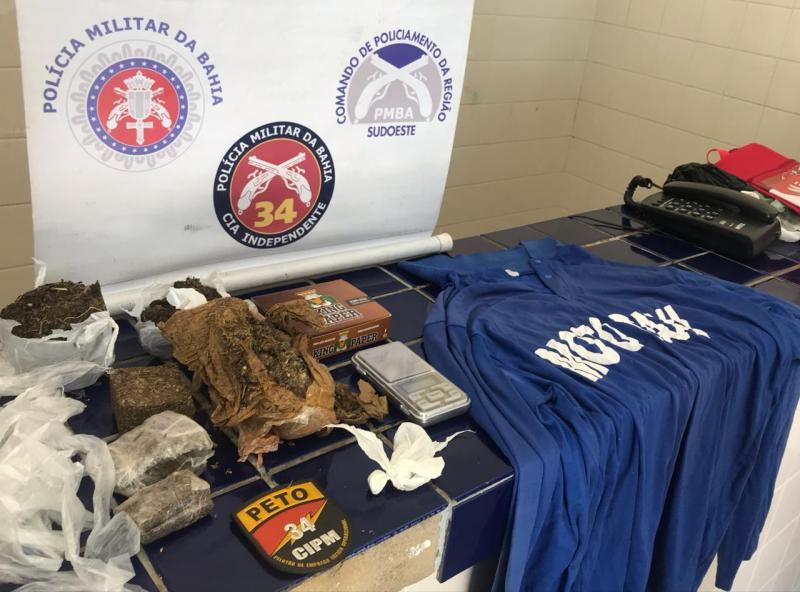 Brumado: Grande quantidade de droga é encontrada pela polícia no bairro Olhos D'Água