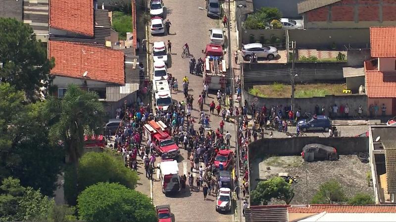 Adolescentes atiram dentro de escola, matam 6 pessoas e se matam em São Paulo, diz polícia