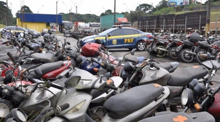 Leilão 'on-line' será realizado com mais de 150 veículos recolhidos na Bahia